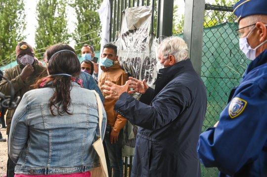 bezoek asielcentrum